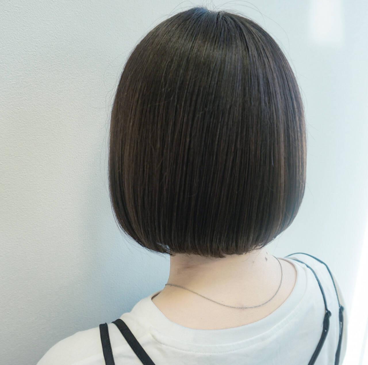ショートボブ ショートヘア インナーカラー ミニボブヘアスタイルや髪型の写真・画像