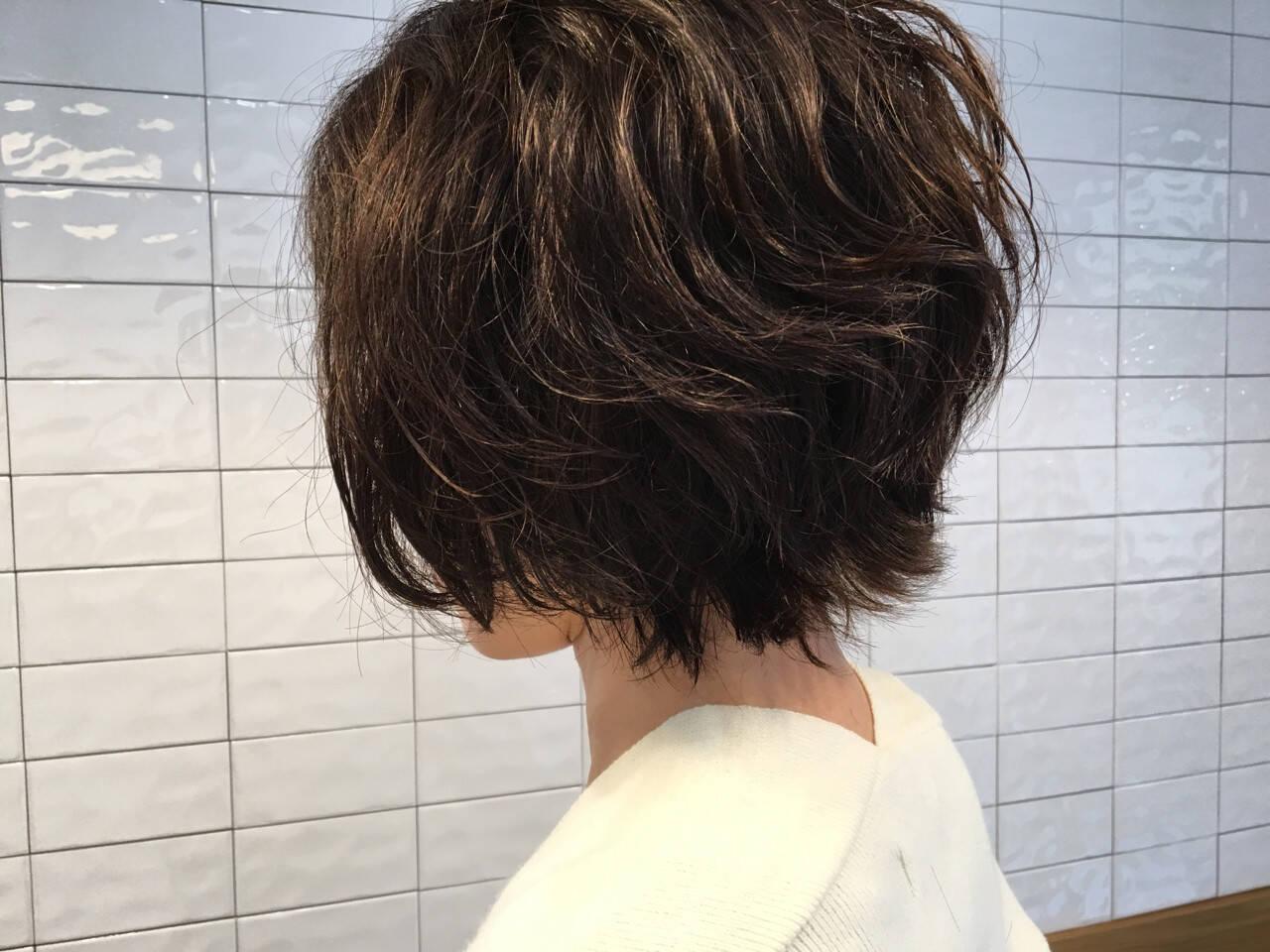 暗髪 ロブ パーマ ショートヘアスタイルや髪型の写真・画像