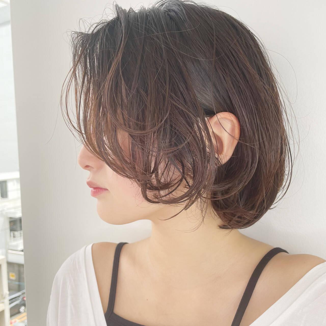 ショートヘア ミニボブ ウルフカット 切りっぱなしボブヘアスタイルや髪型の写真・画像