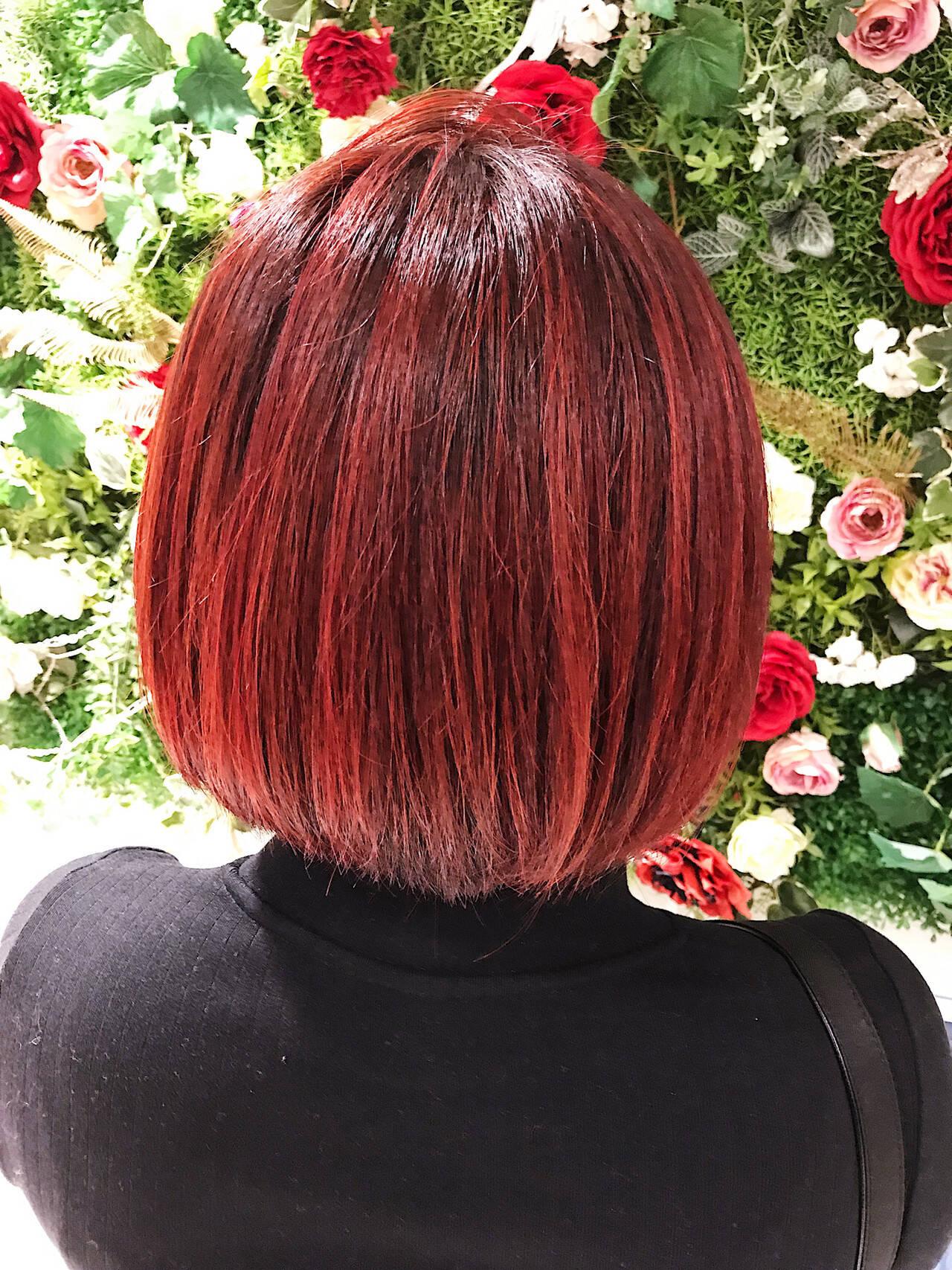 ハイライト レッド ストリート ボブヘアスタイルや髪型の写真・画像
