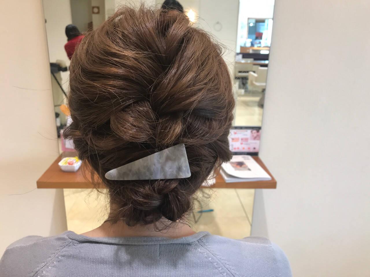 ナチュラル 編み込み 結婚式 簡単ヘアアレンジヘアスタイルや髪型の写真・画像