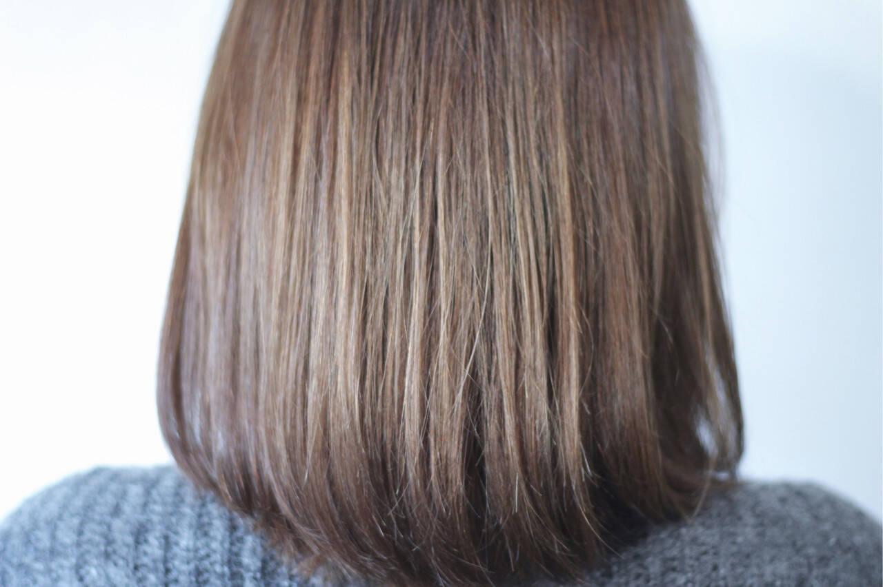 グレー アッシュグレージュ ミディアム シルバーアッシュヘアスタイルや髪型の写真・画像