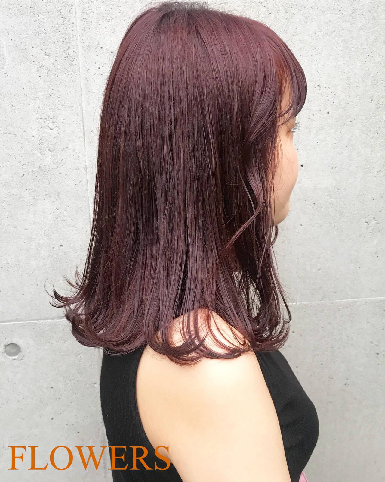ミディアム ピンク パープル レッドヘアスタイルや髪型の写真・画像