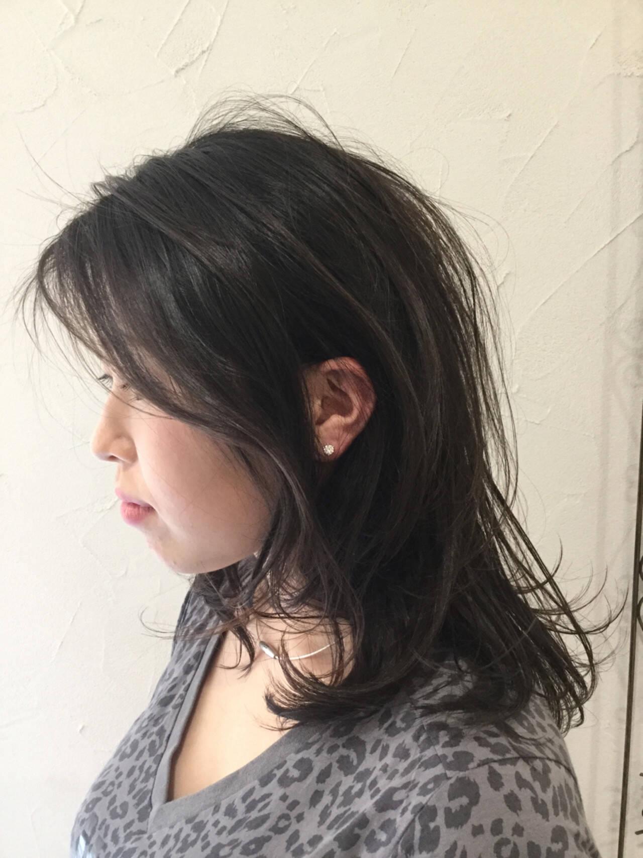 パーマ エアリー 簡単 アッシュヘアスタイルや髪型の写真・画像