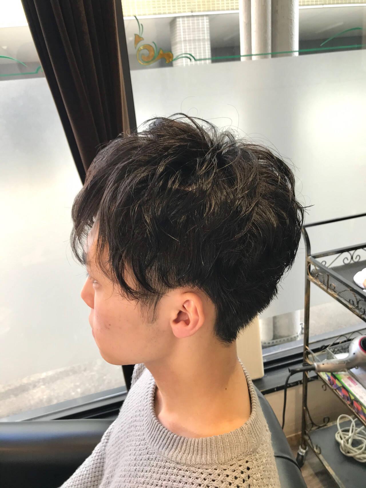 ツーブロック メンズパーマ ショート ストリートヘアスタイルや髪型の写真・画像