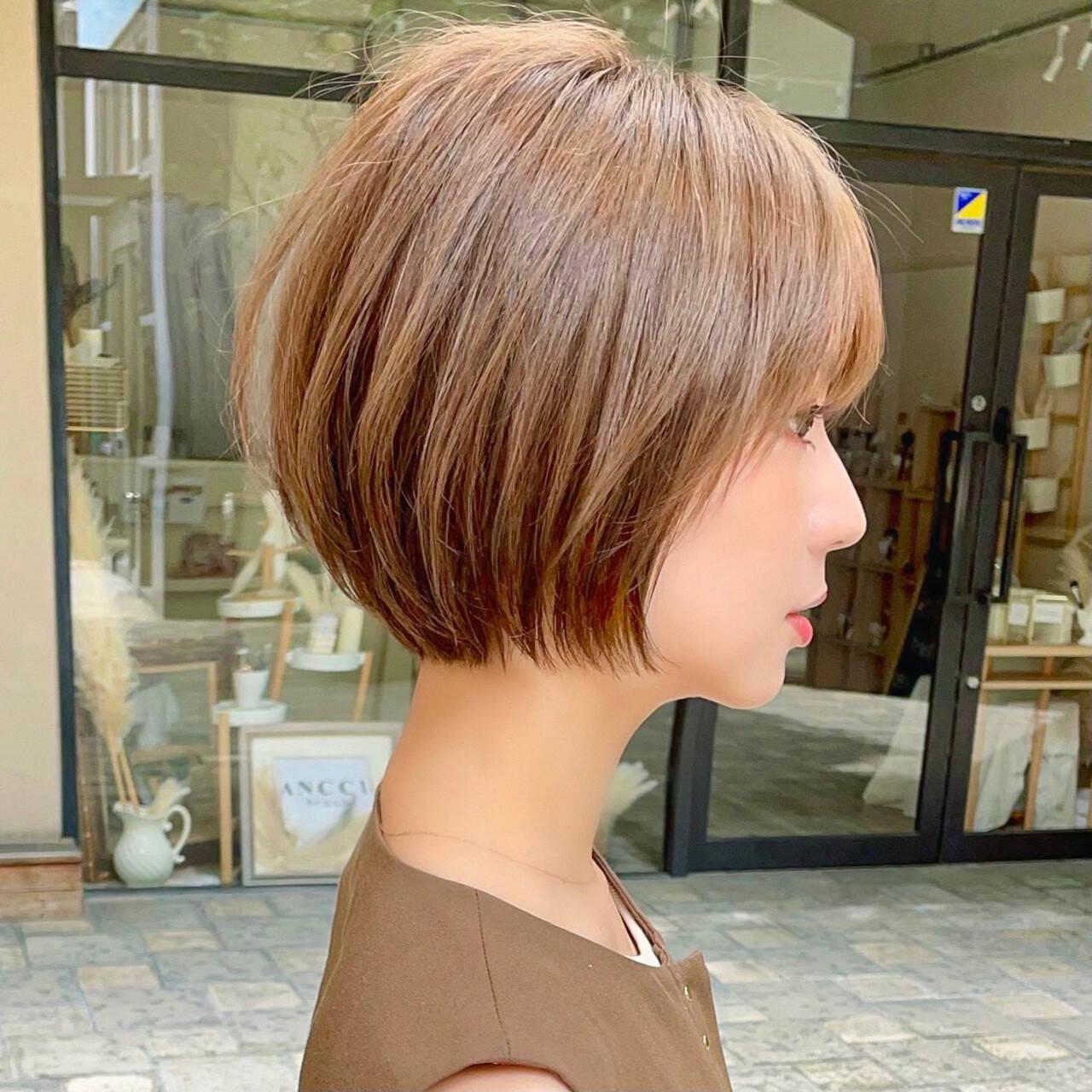 切りっぱなしボブ ミニボブ ナチュラル ショートヘアスタイルや髪型の写真・画像