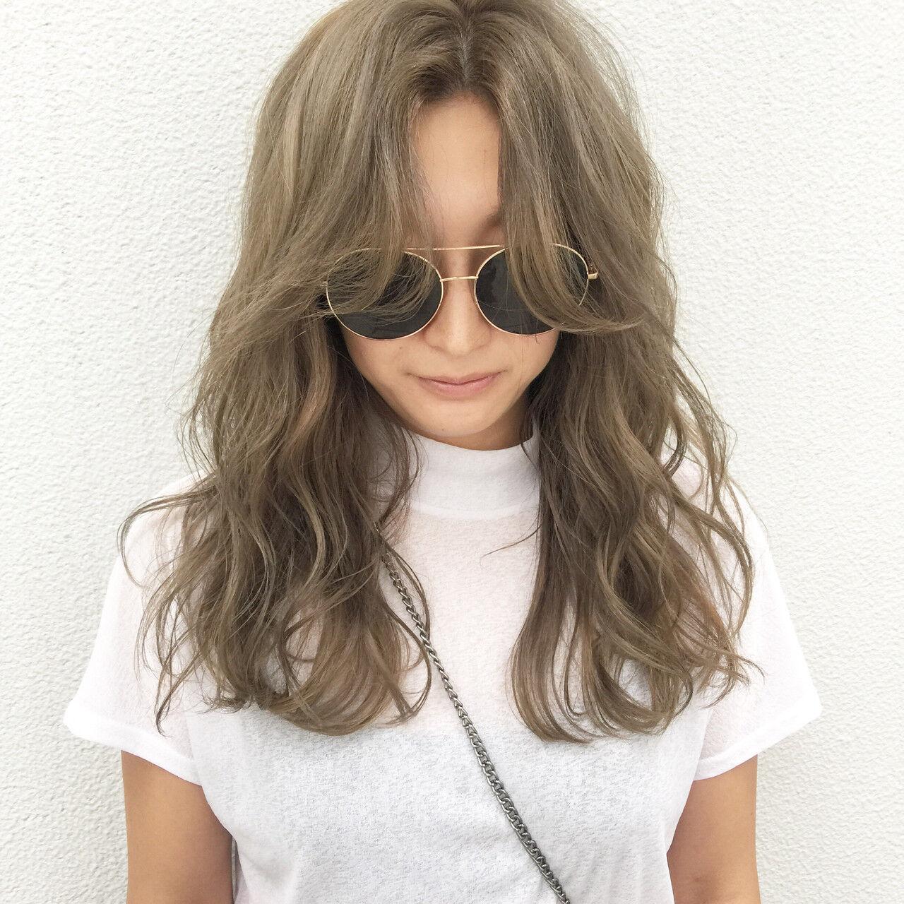ヘアアレンジ ハイライト グラデーションカラー セミロングヘアスタイルや髪型の写真・画像