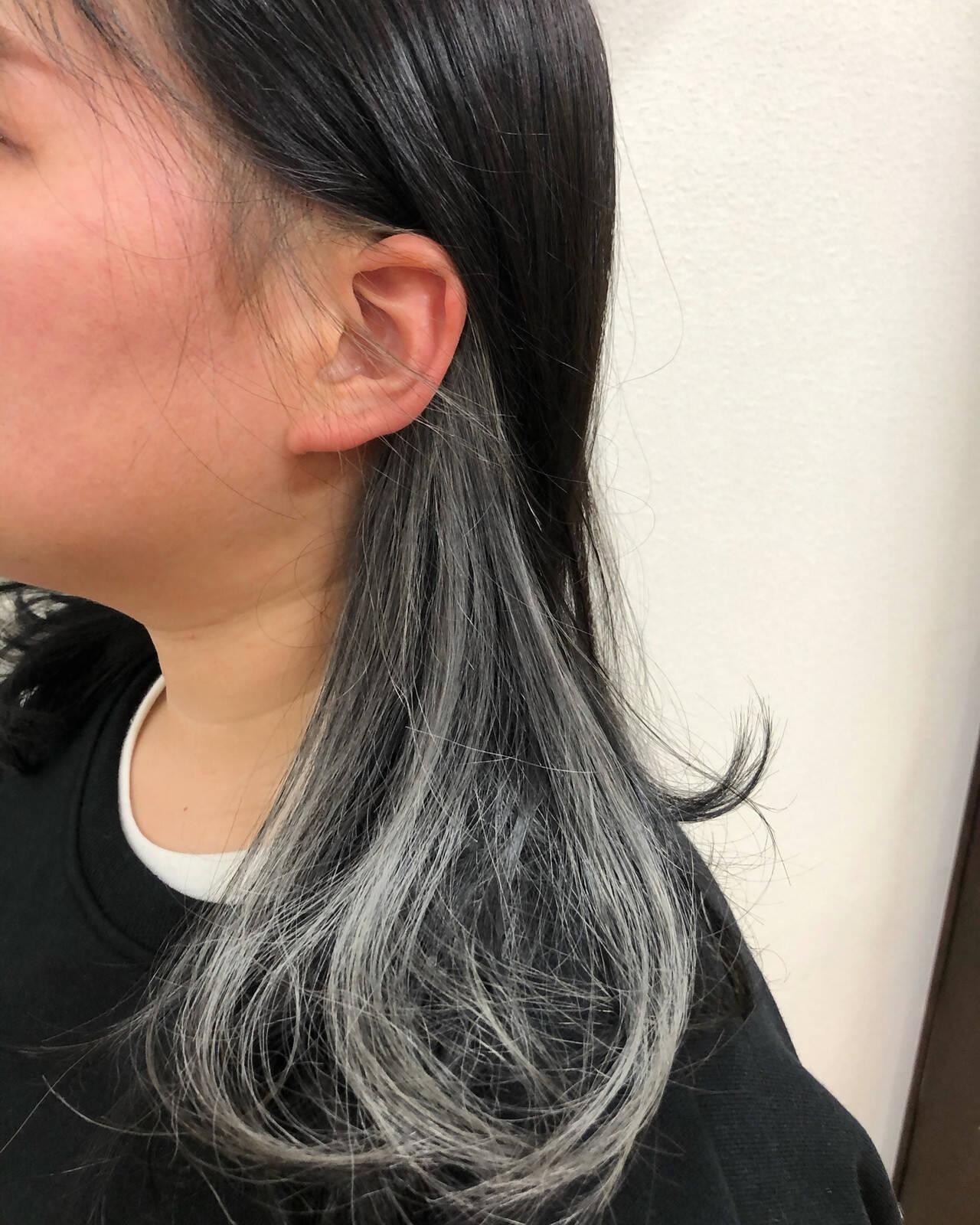 インナーカラー デザインカラー ストリート インナーカラーホワイトヘアスタイルや髪型の写真・画像