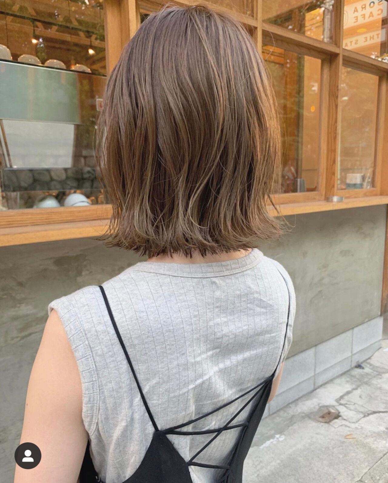 ミニボブ ベリーショート 切りっぱなしボブ ナチュラルヘアスタイルや髪型の写真・画像