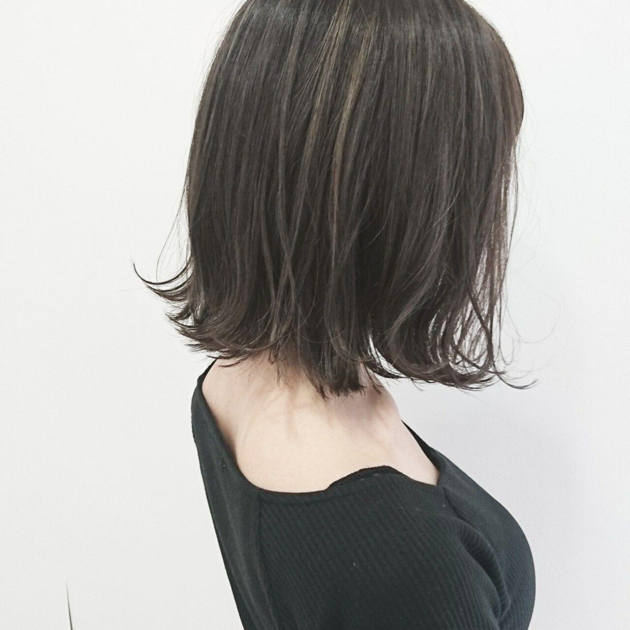 ボブ ハイライト ストリート アッシュグレージュヘアスタイルや髪型の写真・画像