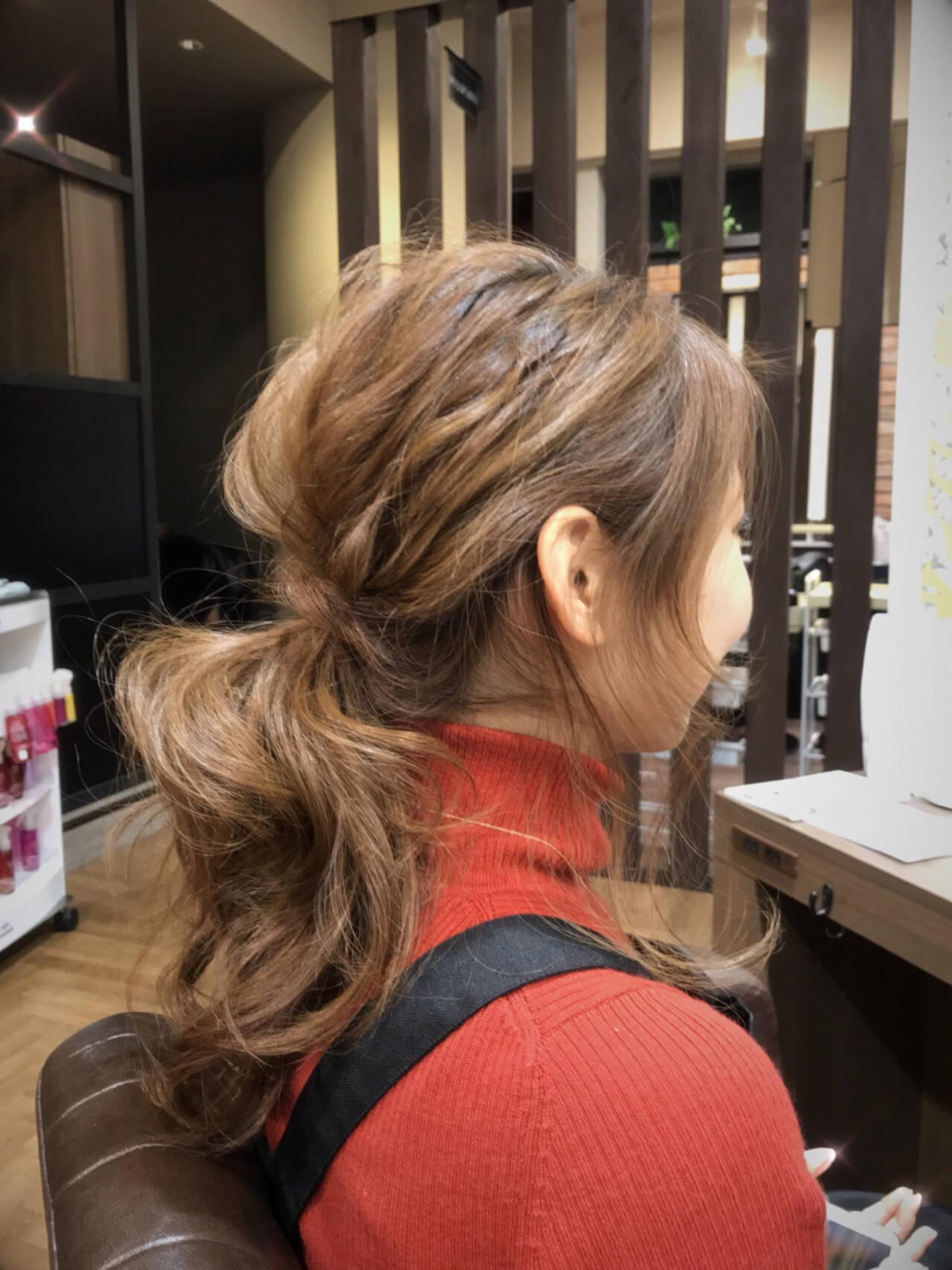 オフィス アンニュイ 簡単ヘアアレンジ セミロングヘアスタイルや髪型の写真・画像