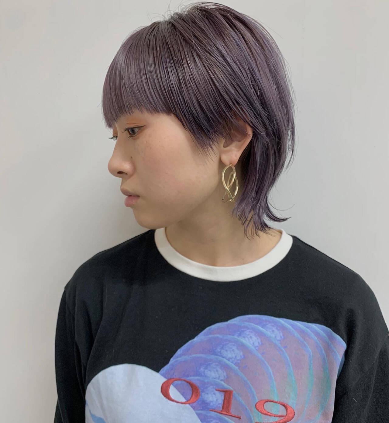 ストリート ラベンダーアッシュ ショートヘア マッシュウルフヘアスタイルや髪型の写真・画像