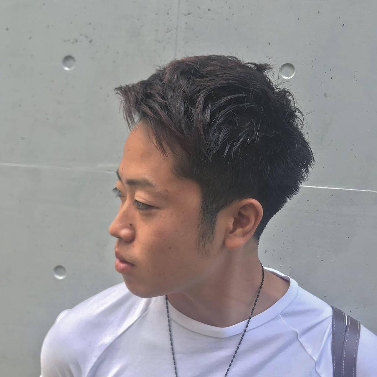 メンズ パーマ 刈り上げ ストリートヘアスタイルや髪型の写真・画像