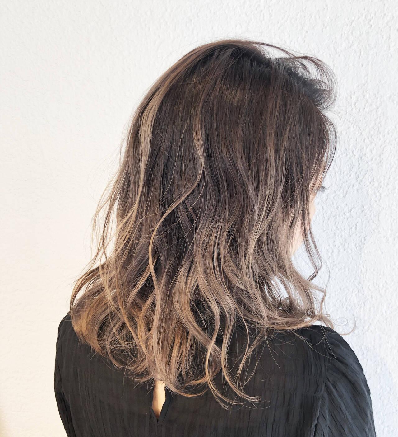 ヘアアレンジ ストリート ミディアム バレイヤージュヘアスタイルや髪型の写真・画像