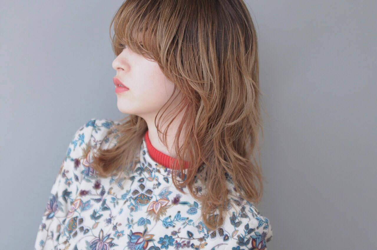マッシュ ミディアム モード 外ハネヘアスタイルや髪型の写真・画像