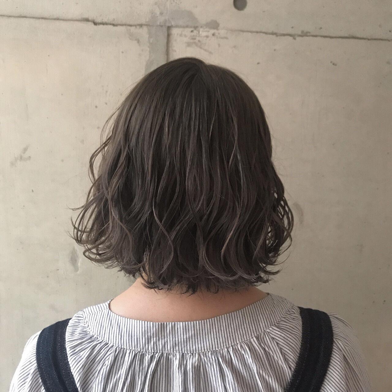 ウェーブ ドライフラワー ナチュラル ボブヘアスタイルや髪型の写真・画像