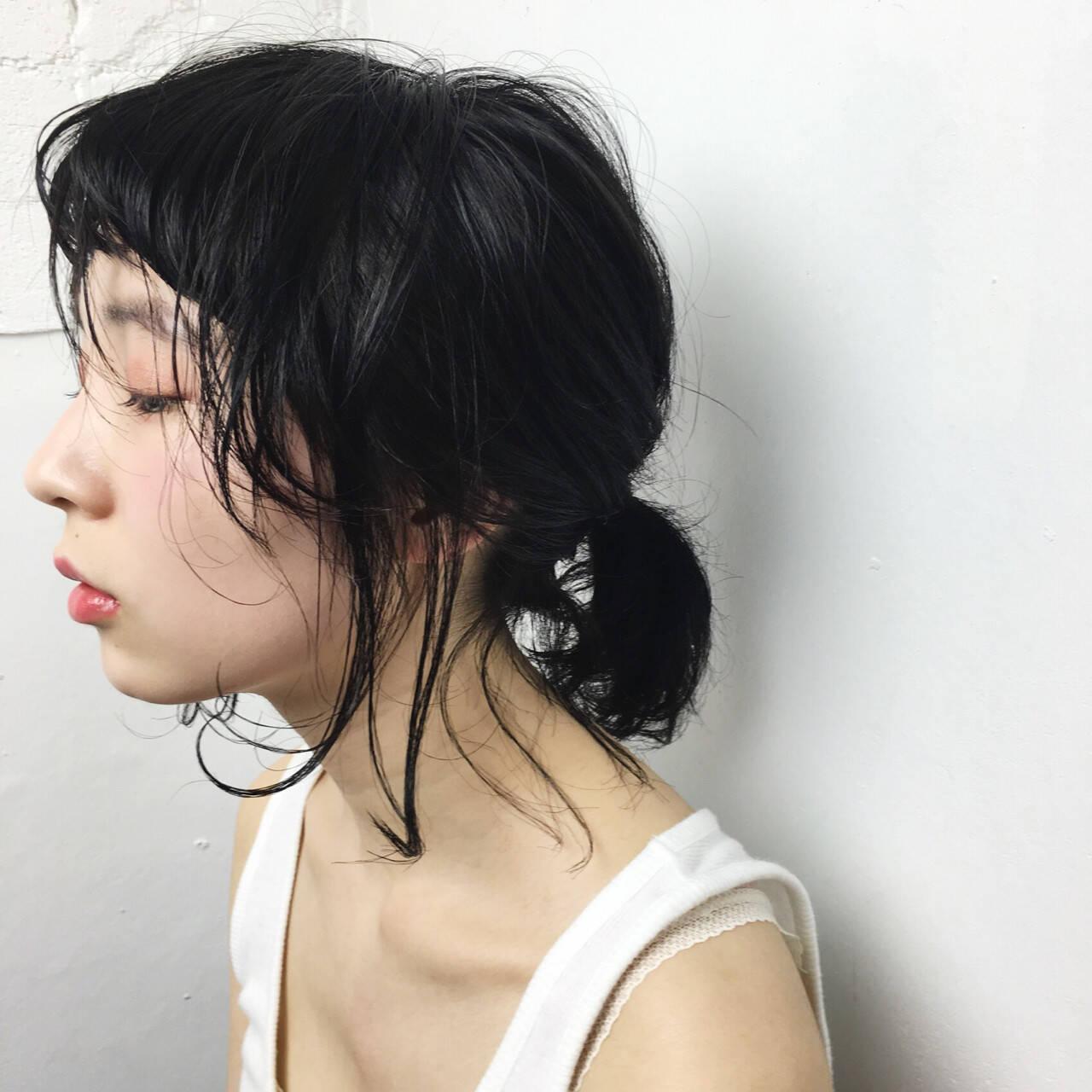 ナチュラル 外ハネ 黒髪 簡単ヘアアレンジヘアスタイルや髪型の写真・画像