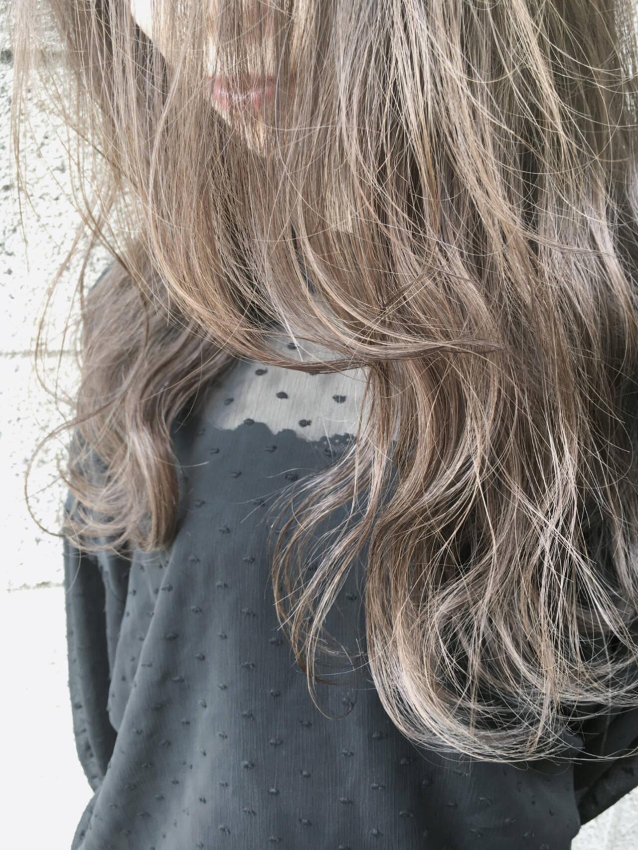 アッシュ 外国人風カラー グレージュ 外国人風ヘアスタイルや髪型の写真・画像