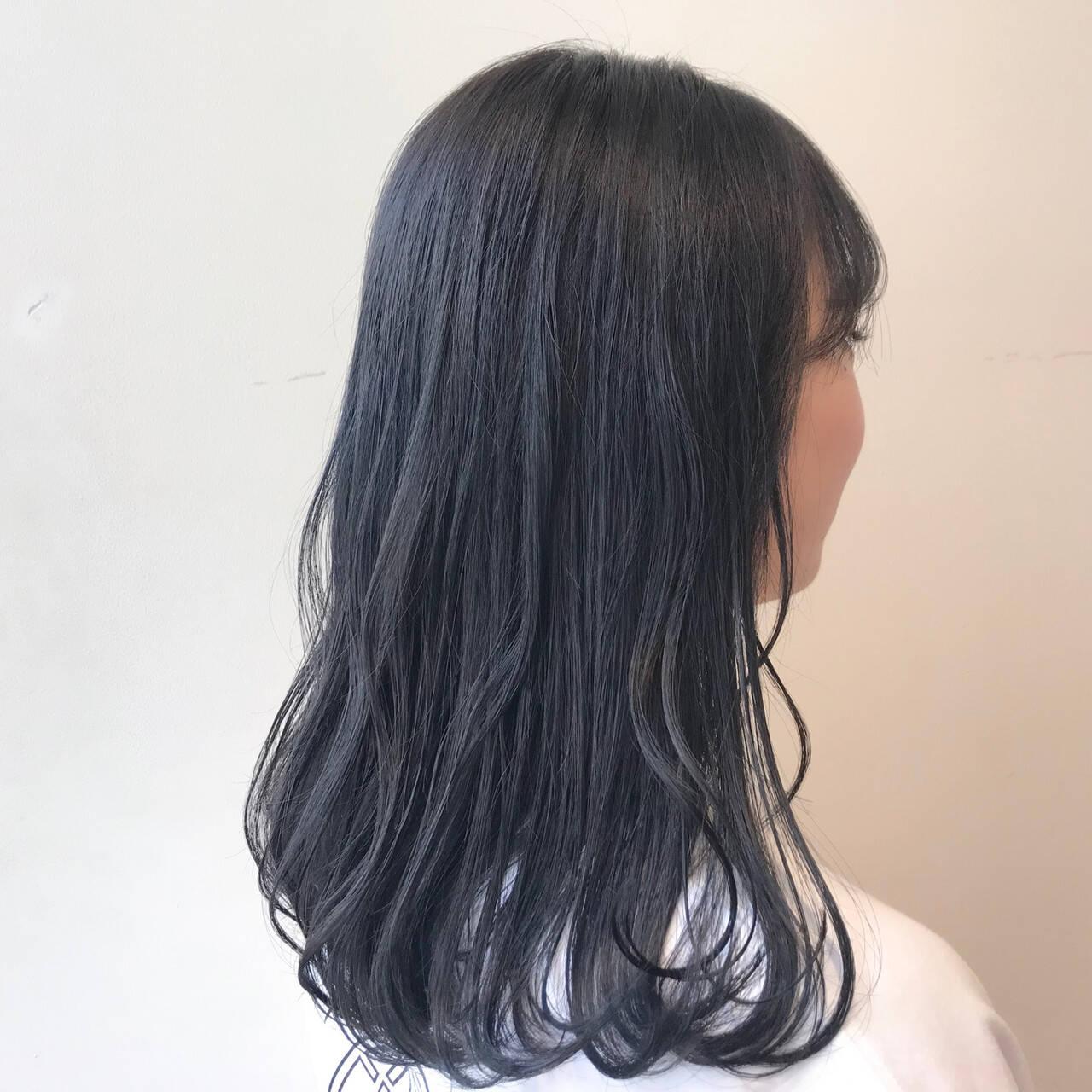 ブルーブラック 透明感カラー ブルージュ ナチュラルヘアスタイルや髪型の写真・画像