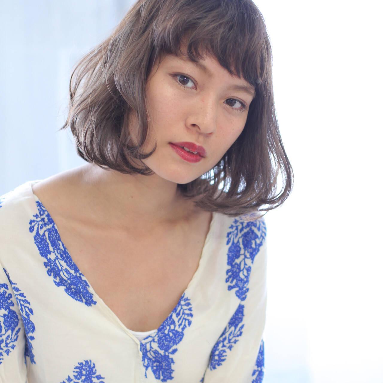 ヌーディーベージュ 前髪 デート ナチュラルベージュヘアスタイルや髪型の写真・画像