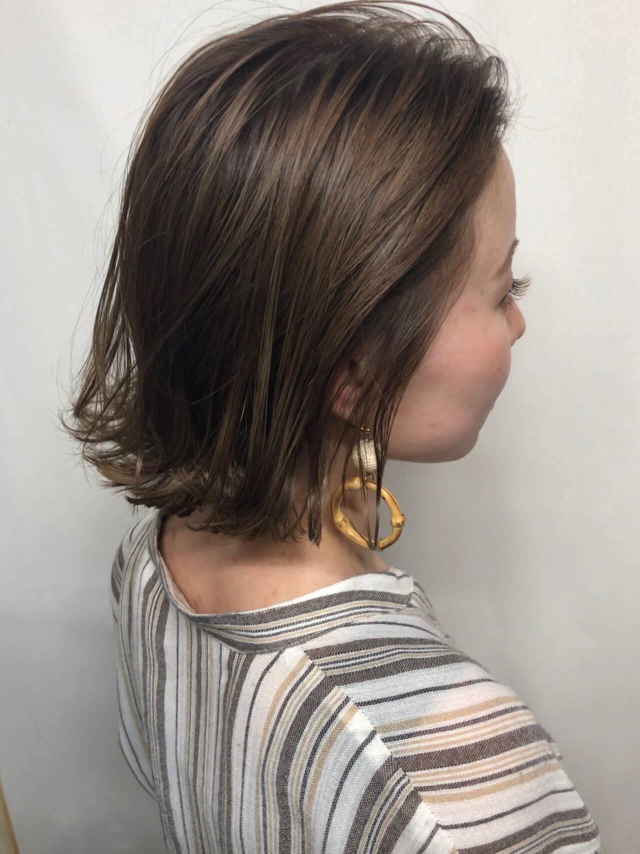 グラデーションカラー 切りっぱなしボブ ハイライト ナチュラルヘアスタイルや髪型の写真・画像