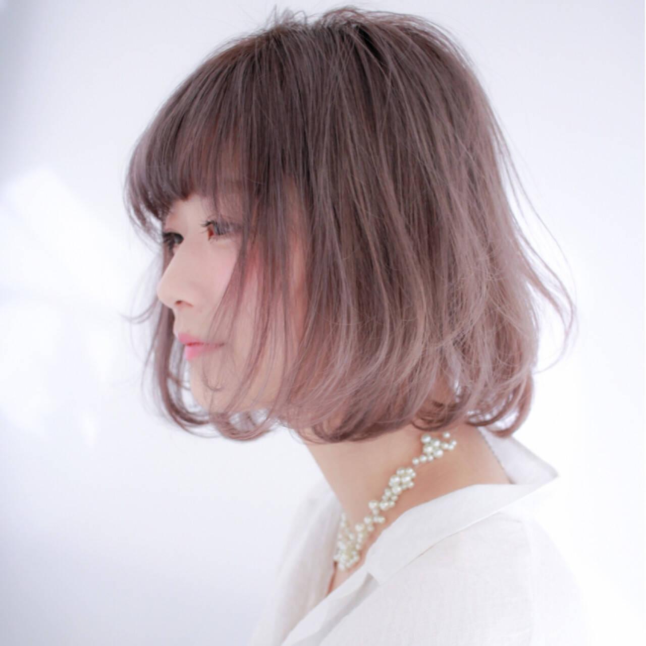 ハイトーン デート フェミニン ボブヘアスタイルや髪型の写真・画像