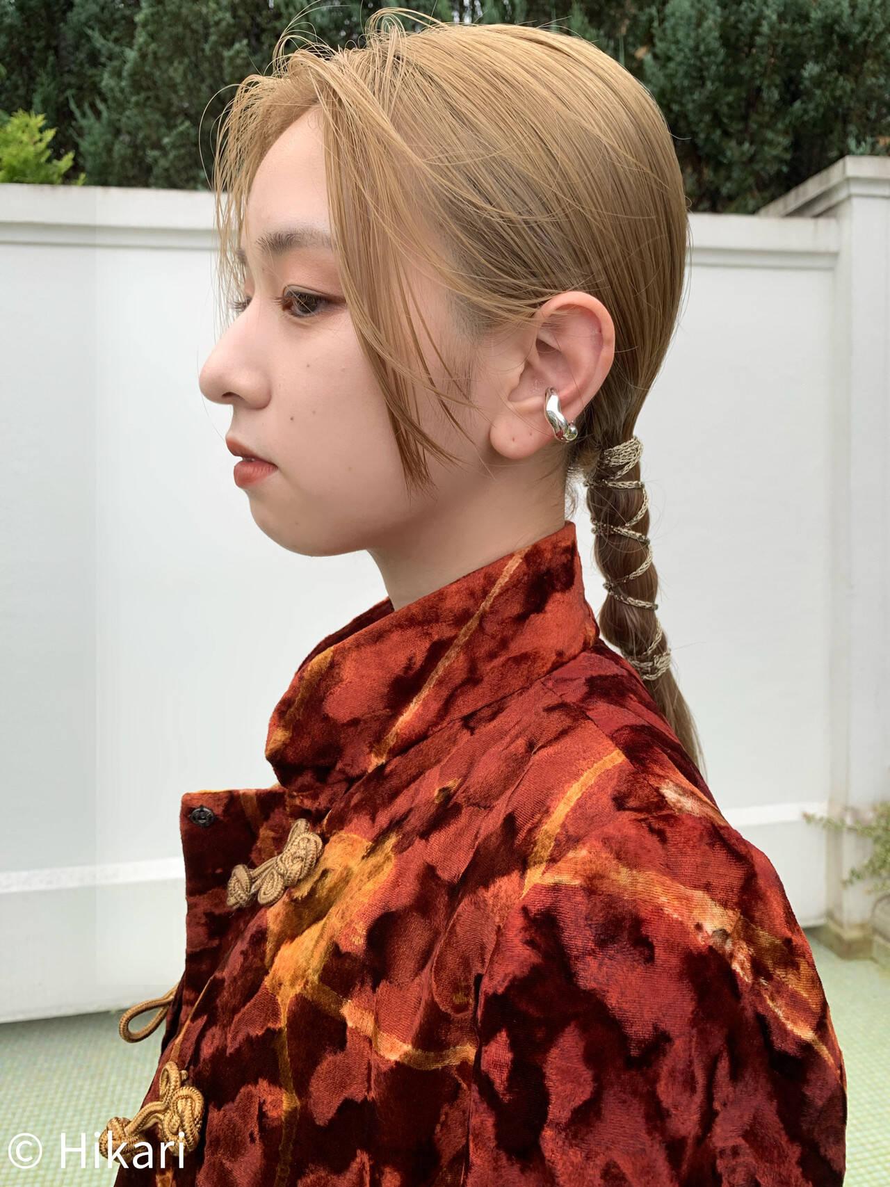 紐アレンジ ヘアアレンジ 簡単ヘアアレンジ セミロングヘアスタイルや髪型の写真・画像
