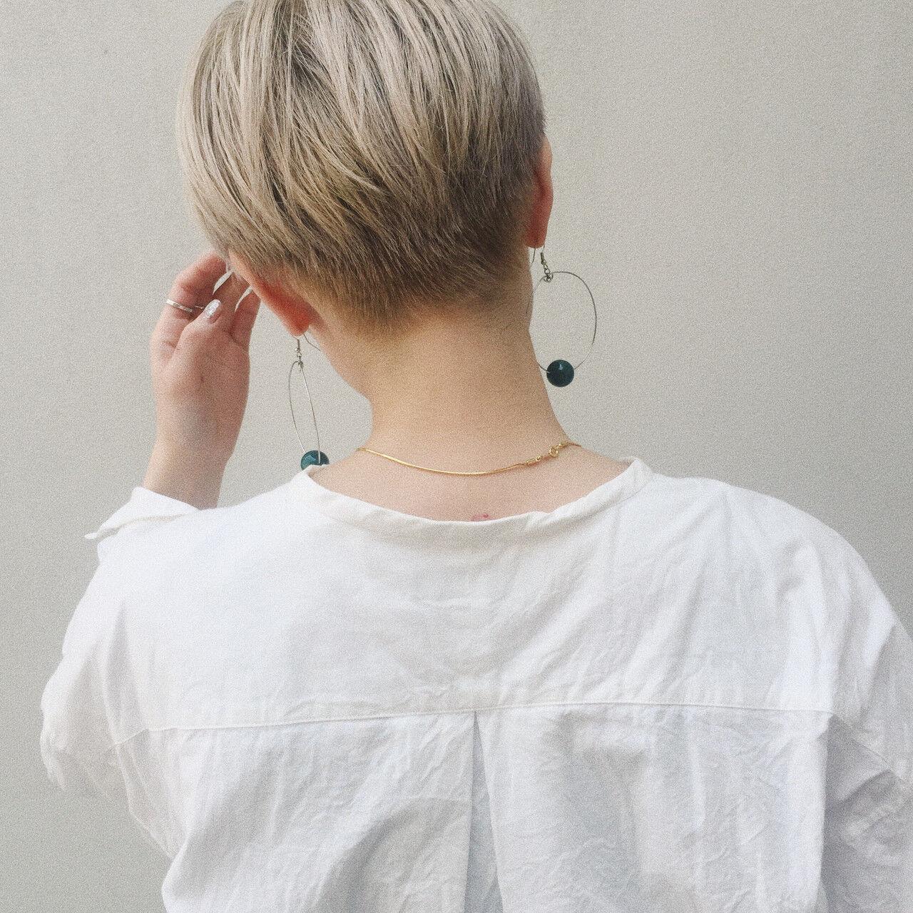 デザインカラー ブリーチ ショートヘア ガーリーヘアスタイルや髪型の写真・画像