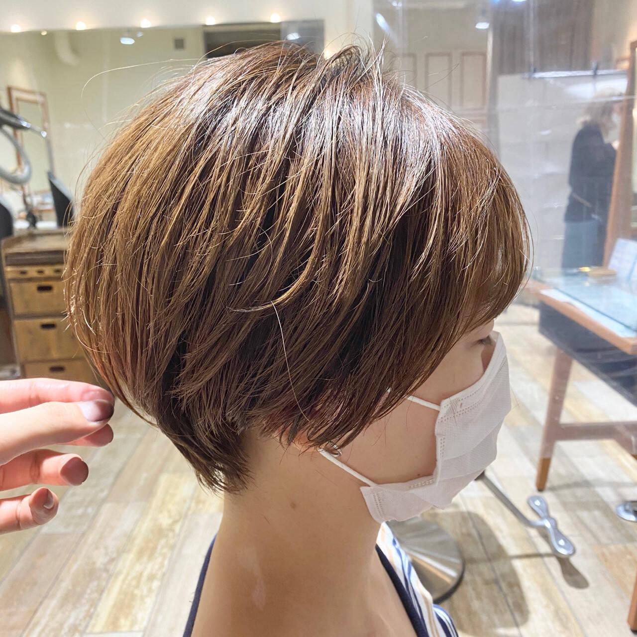 ショートボブ ショート 丸みショート ナチュラルヘアスタイルや髪型の写真・画像