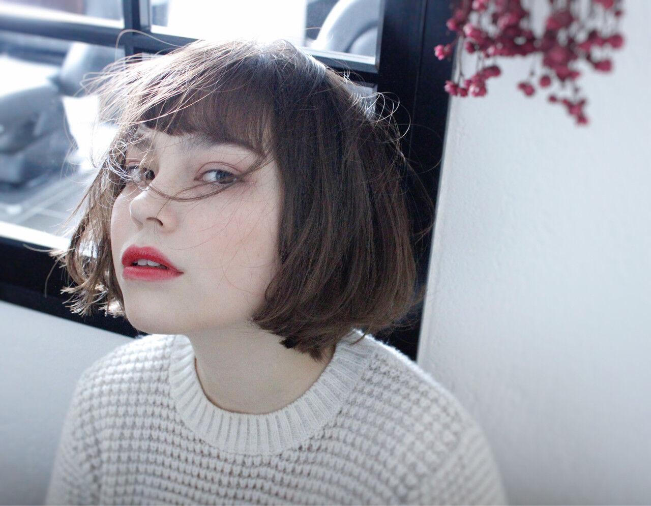 ショート 小顔 ナチュラル ニュアンスヘアスタイルや髪型の写真・画像