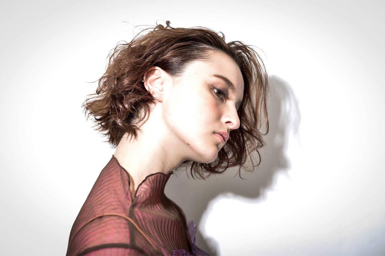 外国人風 ウェーブ モード 色気ヘアスタイルや髪型の写真・画像
