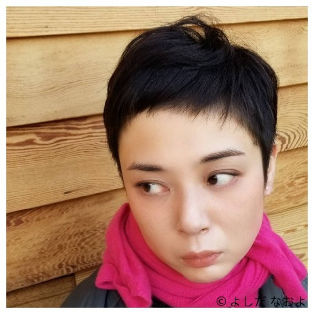 大人ショート ショートバング ハンサムショート 黒髪ヘアスタイルや髪型の写真・画像