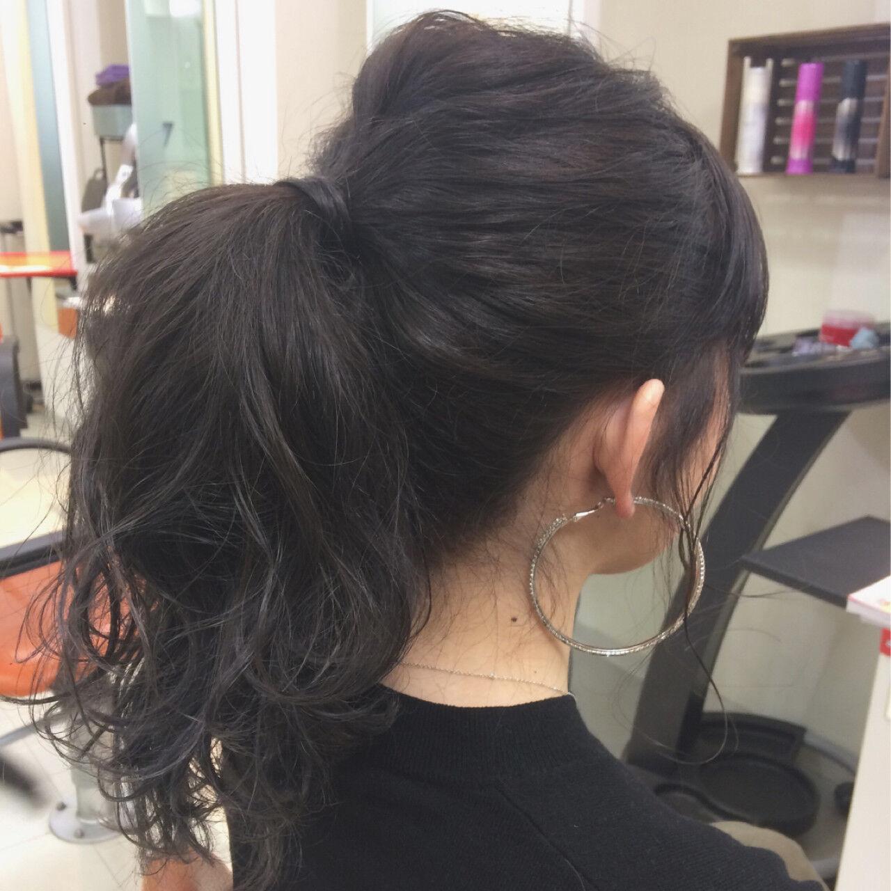 黒髪 簡単ヘアアレンジ セミロング モードヘアスタイルや髪型の写真・画像