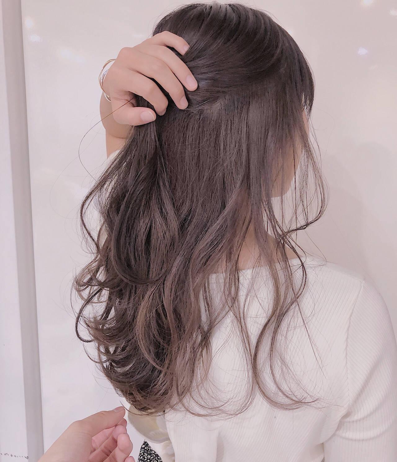ラベンダーグレージュ ナチュラル ロング インナーピンクヘアスタイルや髪型の写真・画像
