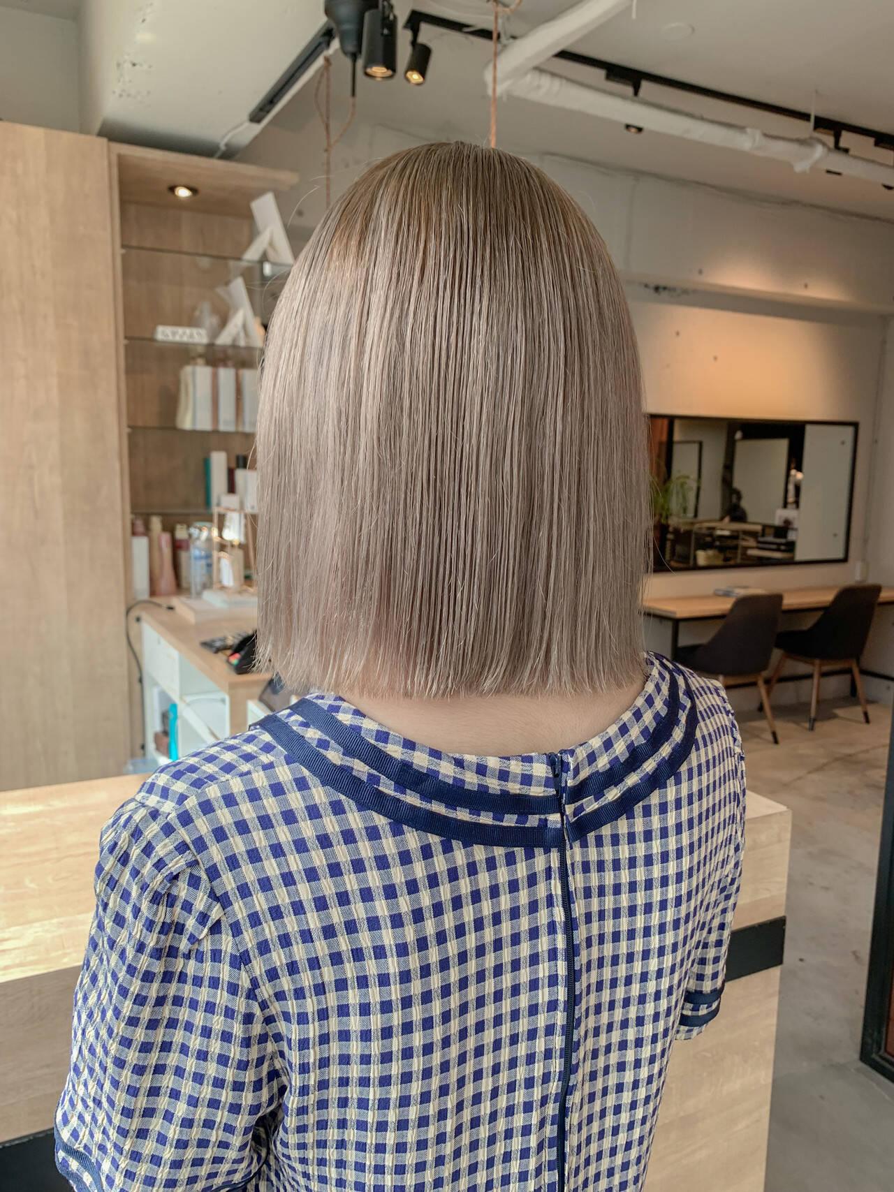 ベージュ ナチュラル 透明感カラー ボブヘアスタイルや髪型の写真・画像