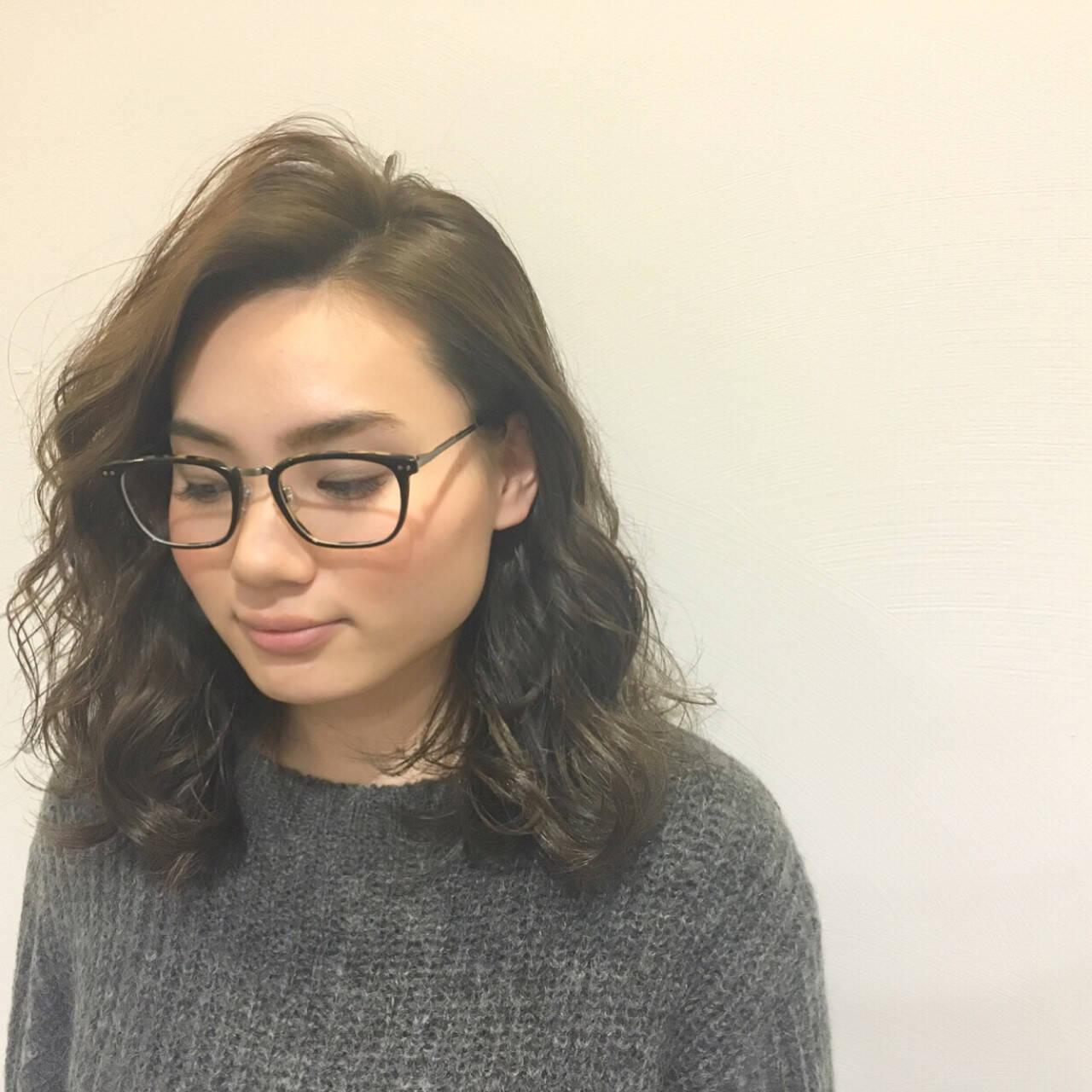 エレガント 小顔 ハイライト ミディアムヘアスタイルや髪型の写真・画像