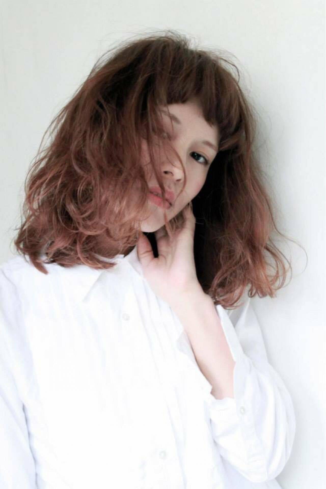 セミロング ショートバング ロブ ゆるふわヘアスタイルや髪型の写真・画像