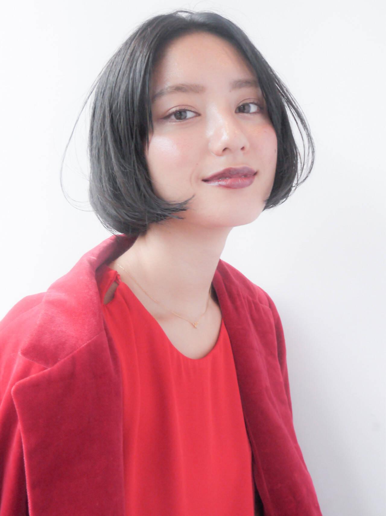 暗髪 透明感 ウェットヘア 秋ヘアスタイルや髪型の写真・画像