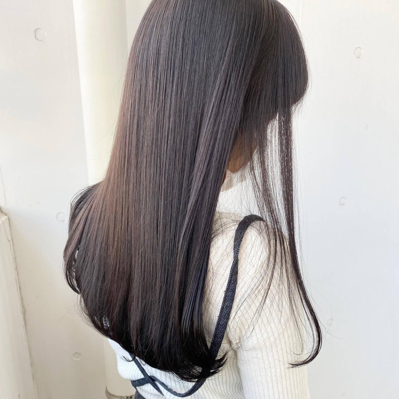 地毛風カラー ロング ラベンダーグレージュ ナチュラルヘアスタイルや髪型の写真・画像