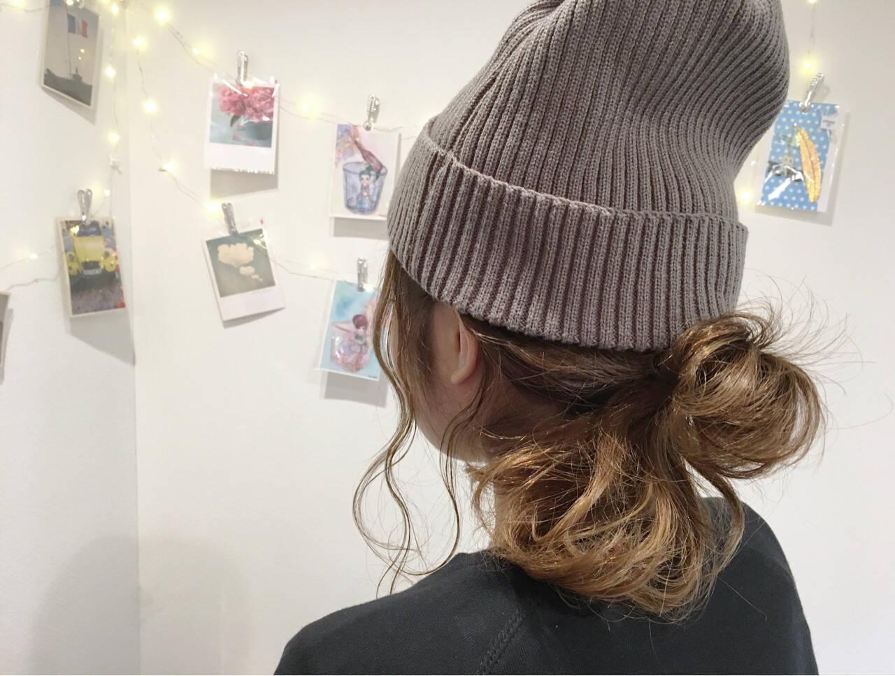 ニット ミディアム ヘアアレンジ ナチュラルヘアスタイルや髪型の写真・画像
