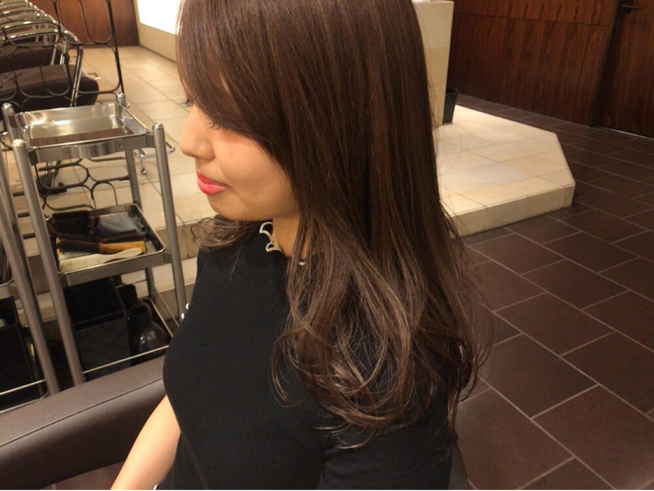 グレージュ ロング 外国人風 デートヘアスタイルや髪型の写真・画像