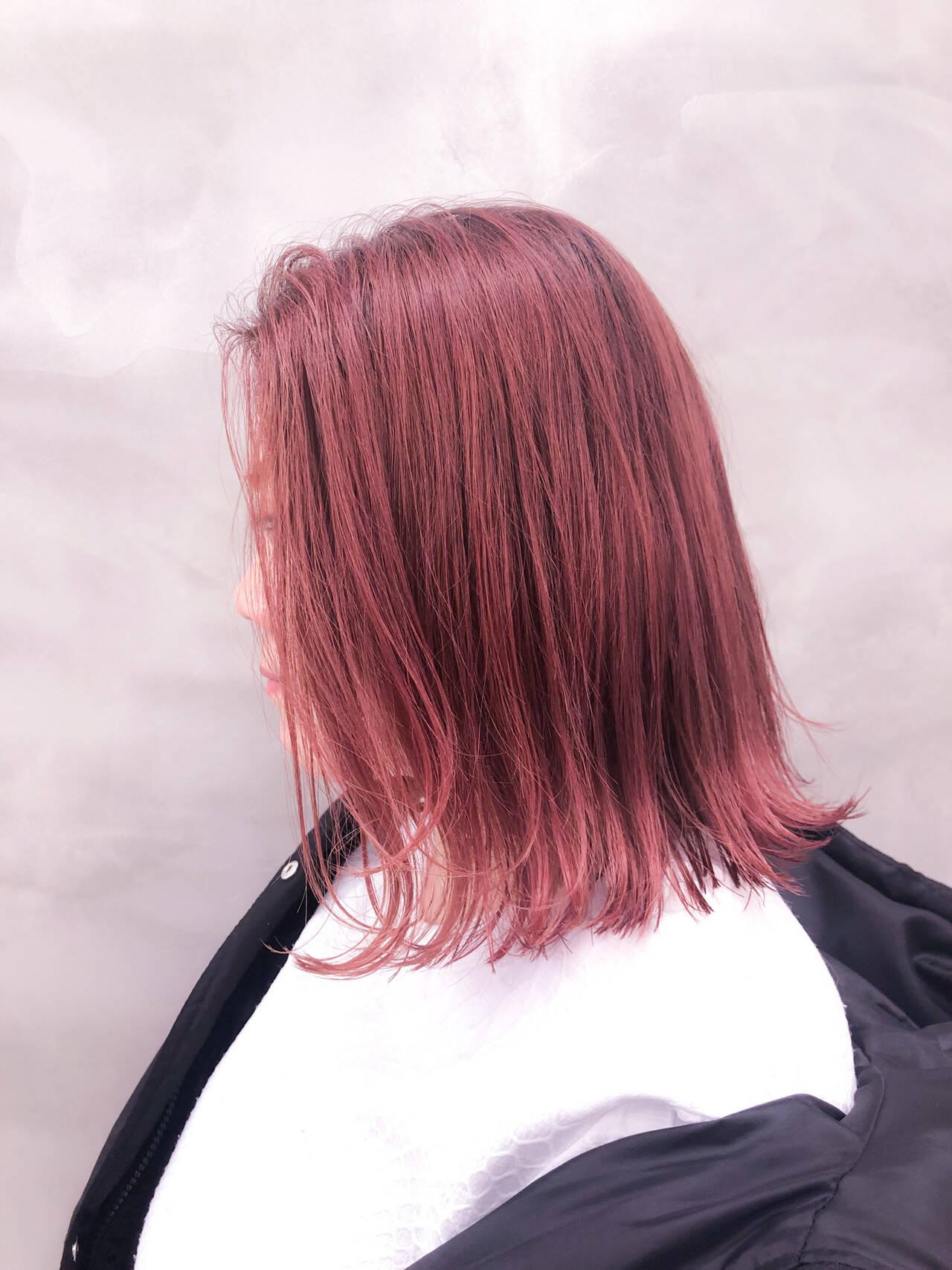 パールピンク 切りっぱなしボブ 大人カジュアル 切りっぱなしヘアスタイルや髪型の写真・画像