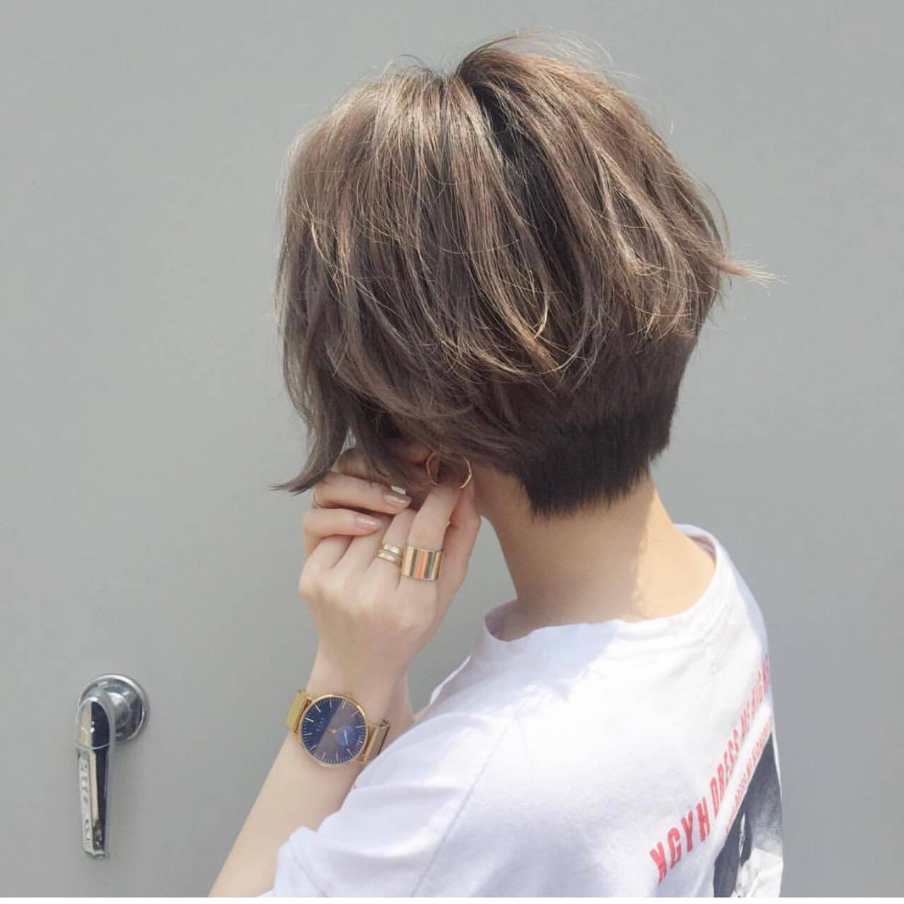 ベリーショート ショートヘア ハイトーンカラー ナチュラルヘアスタイルや髪型の写真・画像