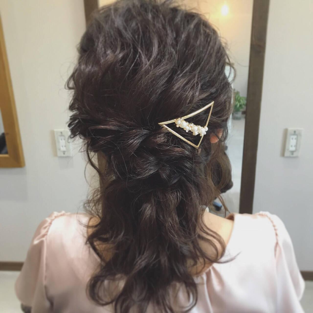 フェミニン ヘアアレンジ ミディアム 結婚式ヘアスタイルや髪型の写真・画像