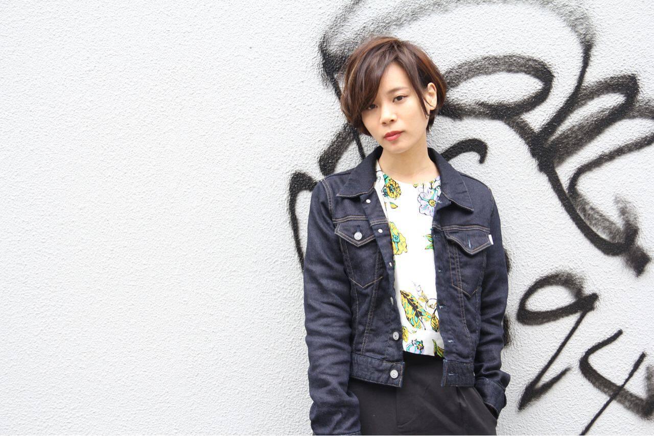 ショート モード 暗髪ヘアスタイルや髪型の写真・画像