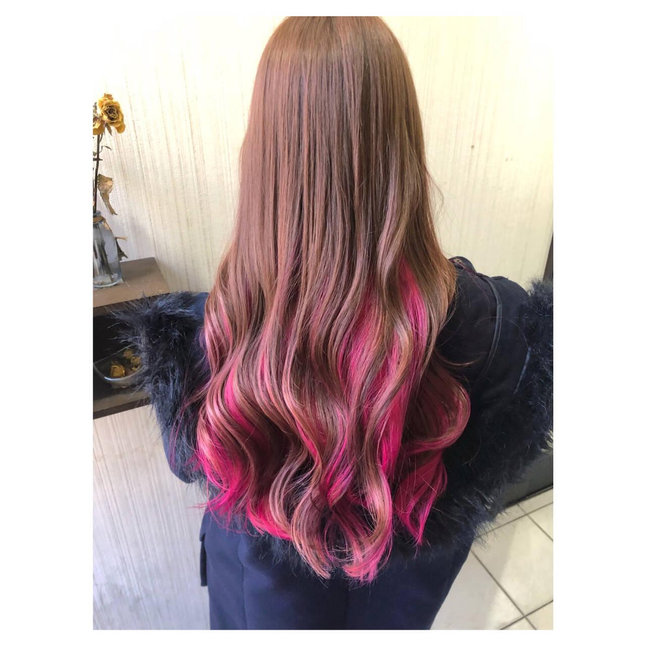 ピンク ベリーピンク ピンクアッシュ インナーカラーヘアスタイルや髪型の写真・画像