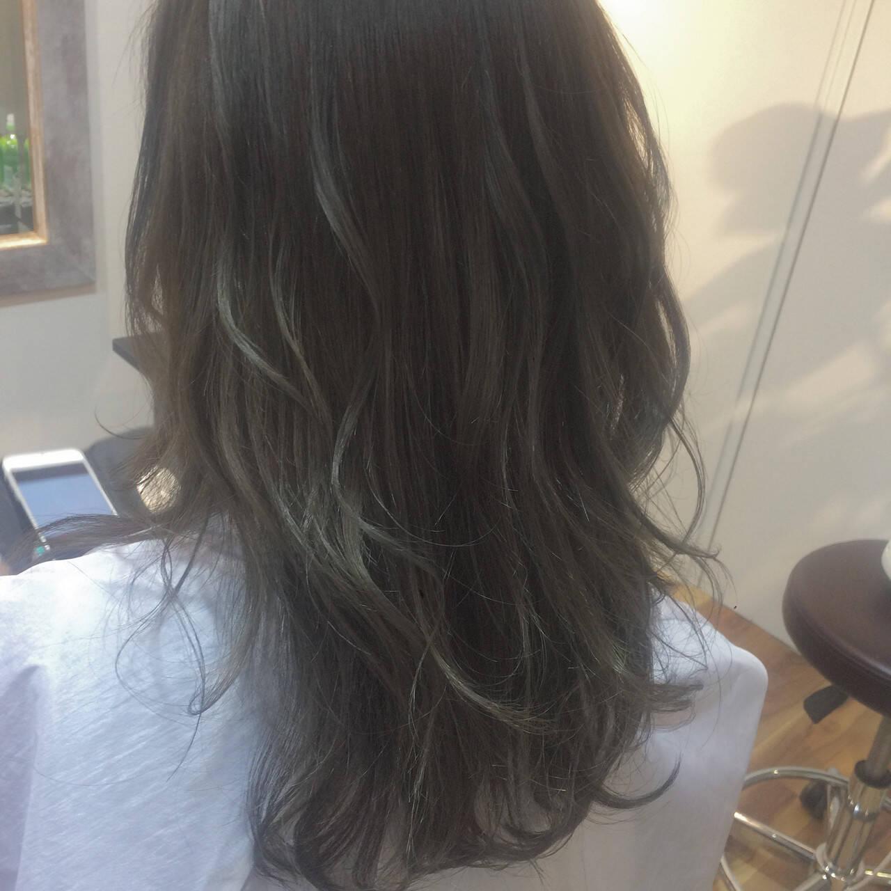 ロング バレイヤージュ 外国人風 コンサバヘアスタイルや髪型の写真・画像