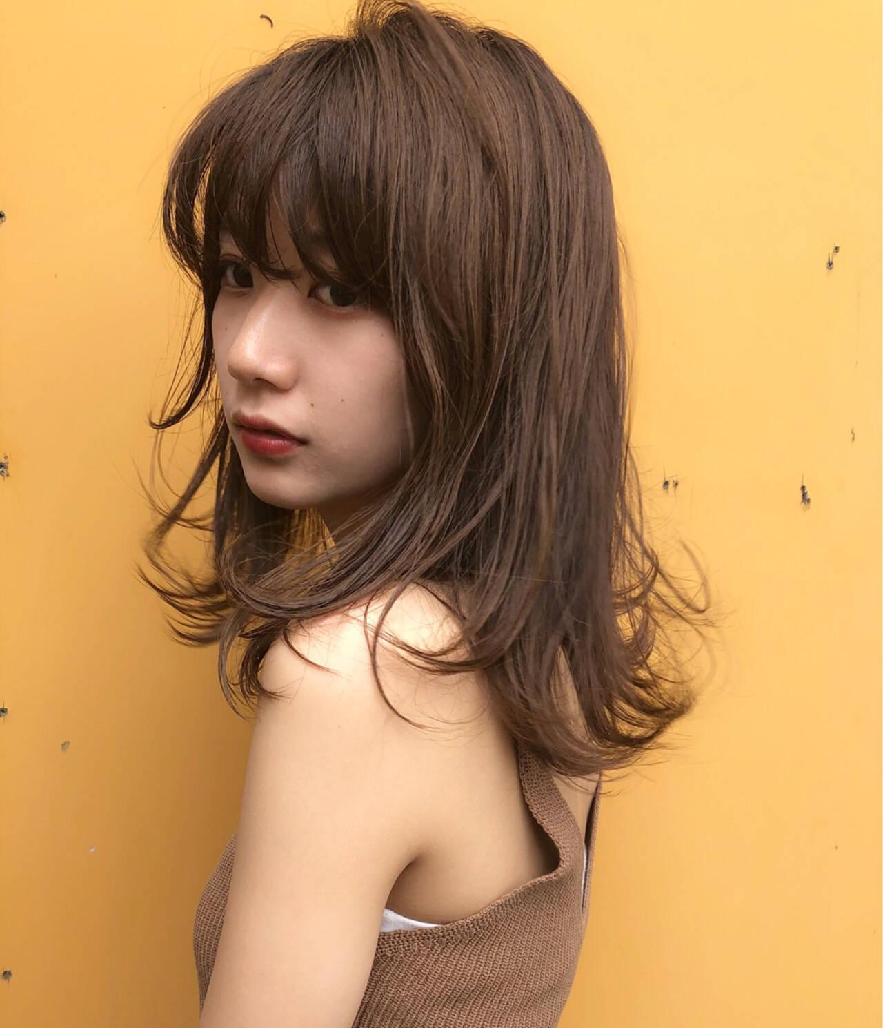 大人かわいい 夏 オフィス レイヤーカットヘアスタイルや髪型の写真・画像