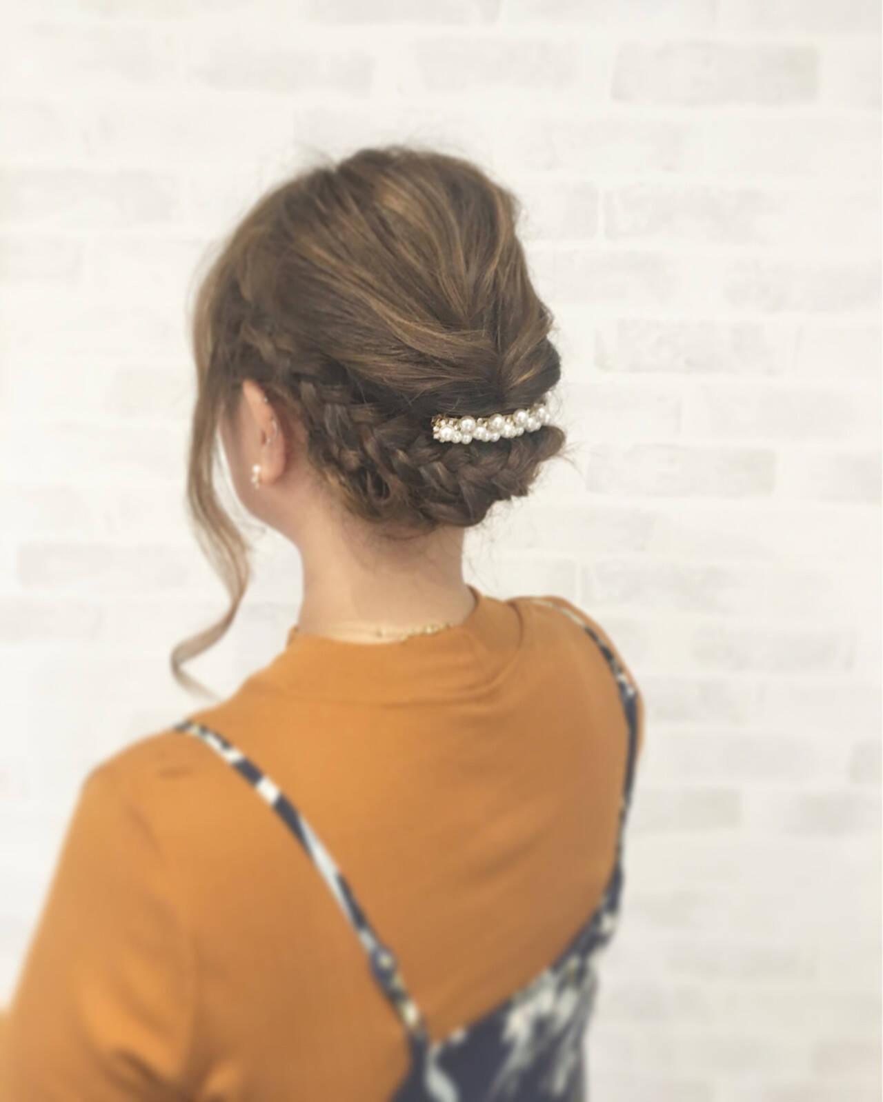 フェミニン ヘアアレンジ ミディアム 外国人風ヘアスタイルや髪型の写真・画像
