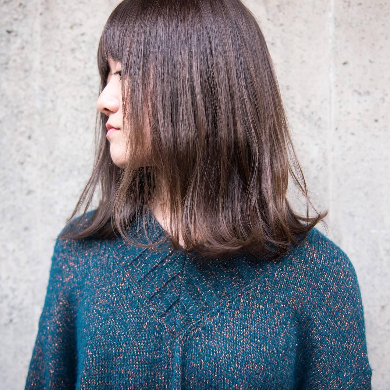 切りっぱなし 外ハネ 前髪あり ナチュラルヘアスタイルや髪型の写真・画像